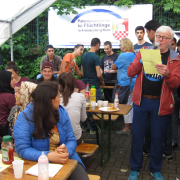 'Come together' beim Grillfest in der Oase Stentrop.